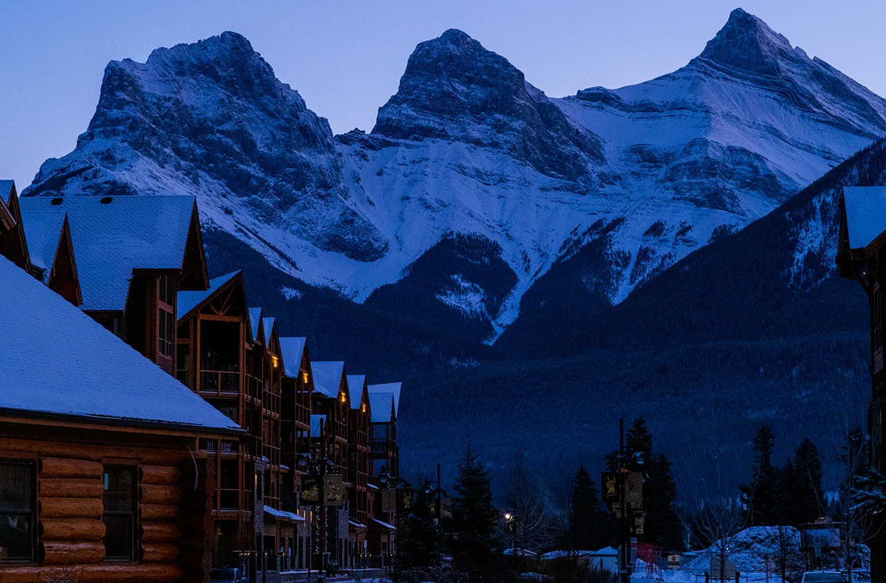 Start your Winter Getaway to the Rockies in Canmore