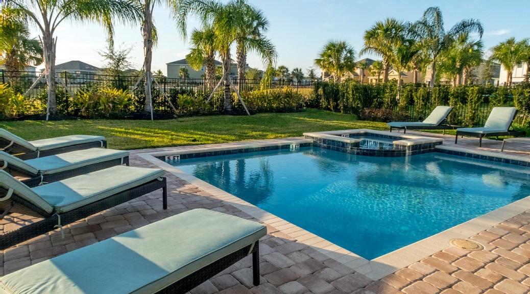 Backyard Pool at Encore Resort at Reunion